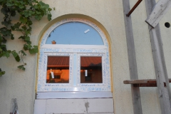 íves ablak Ecseren