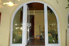 íves bejárati ajtó